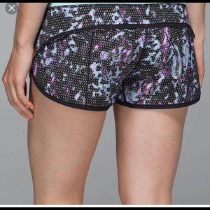 Lululemon Run: Speed Shorts 4 way Size 6